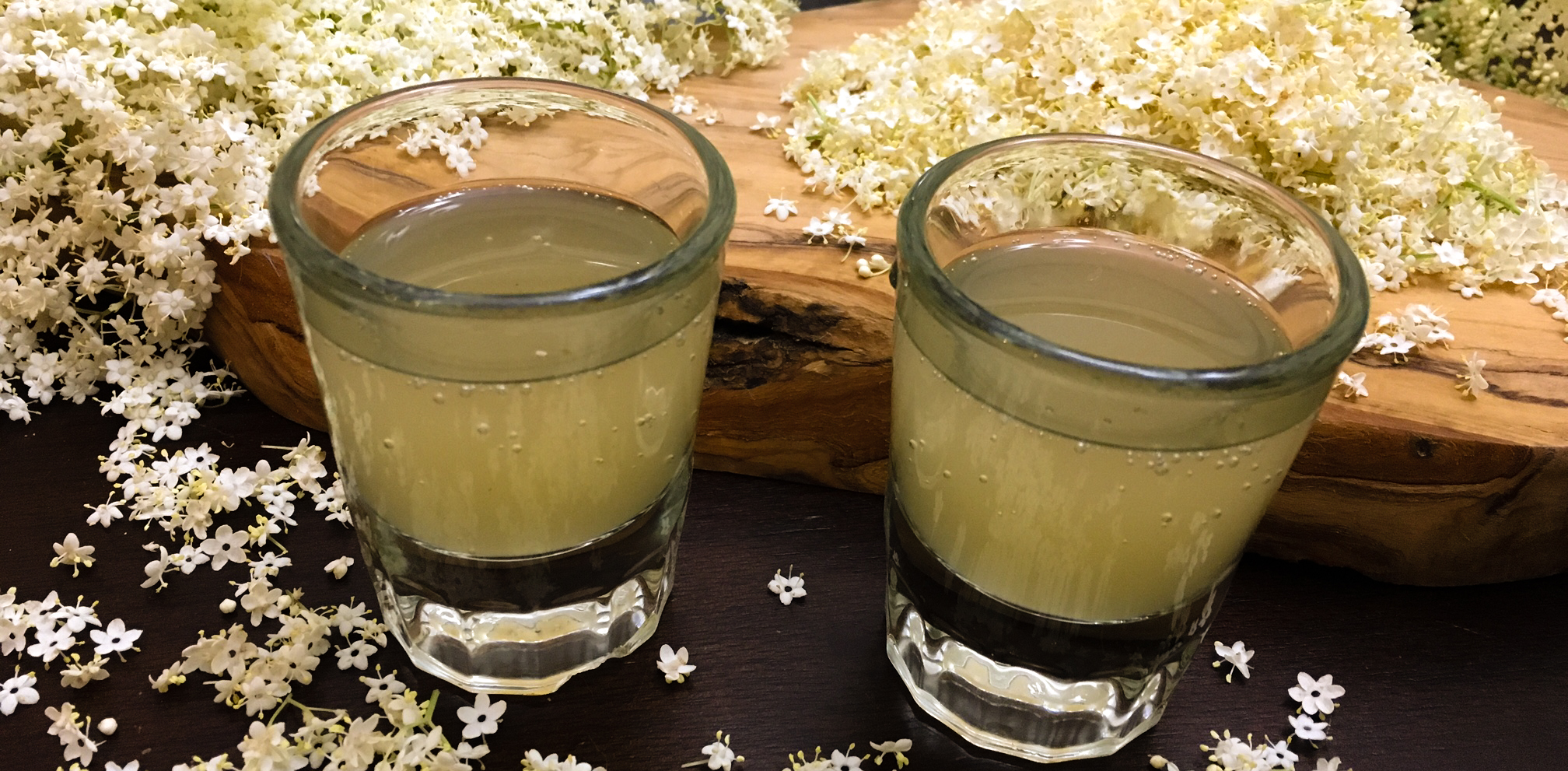 How to make sparkling elderflower syrup  thumbnail